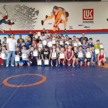 25 сентября на базе МБУ «СШ № 2» г. Усинска прошло Первенство МБУ «СШ» г. Усинска по вольной борьбе среди юношей и девушек